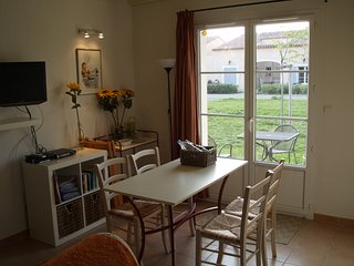 air conditioned house in holiday complex - Gallargues-le-Montueux vacation rentals