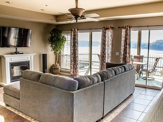 Newly Remodeled and Beautifully Decorated * Spacious Water Front 4 Bdrm & 4 Bath - Lake Ozark vacation rentals