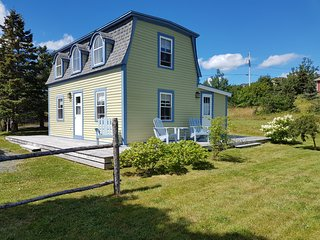 Perfect 2 bedroom House in Witless Bay with Washing Machine - Witless Bay vacation rentals