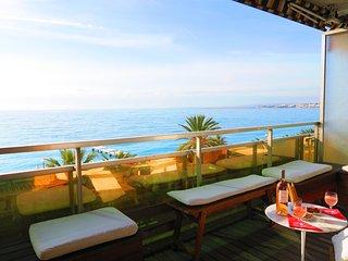 Ashley&Parker- LE BATEAU DU ROYAL LUXEMBOURG - Promenade des Anglais Sea View - Nice vacation rentals