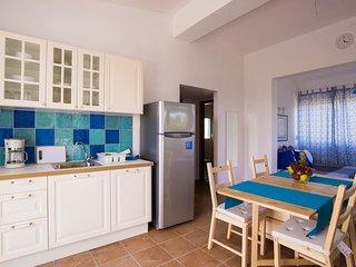 Comfortable 2 bedroom Neos Marmaras House with A/C - Neos Marmaras vacation rentals