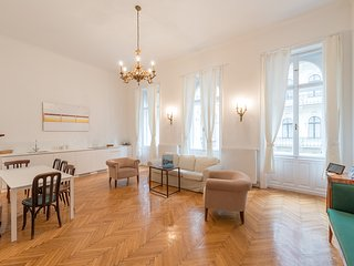 Grand Opera Apartment Budapest - Budapest vacation rentals