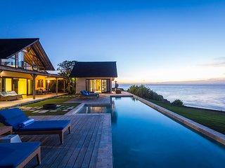 Brilliant one bedroom couples villa on the Lembongan waterfront - Nusa Lembongan vacation rentals