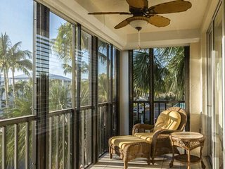 New to Market - Stunning 3 BR Condo, Walking Distance to Deeded Beach Access - Fort Myers Beach vacation rentals