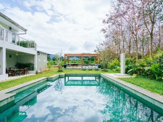 Khao Lak bright and airy 2 bedroom terrace house with shared garden and pool C14 - Khuk Khak vacation rentals