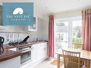 ONE BEDROOM COTTAGE AT THE WEST BAY CLUB & SPA, superb on-site facilities, in - Yarmouth vacation rentals