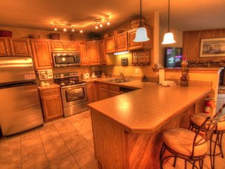 2 bedroom Apartment with Internet Access in Keystone - Keystone vacation rentals