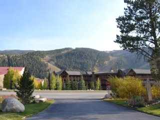 Lovely Apartment with Internet Access and Fitness Room - Keystone vacation rentals