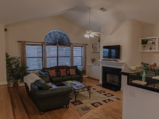 Cozy House with Internet Access and A/C - Bellaire vacation rentals