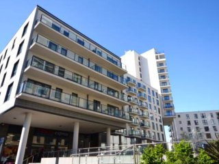 Stunning One Double Bedroom apartment with balcony with residents gym - Woking vacation rentals