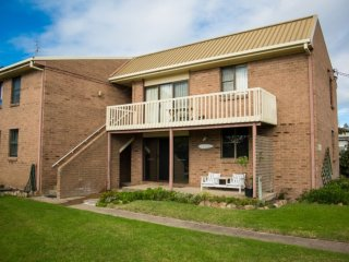 'Siebel Court 6' Fishpen - Merimbula vacation rentals