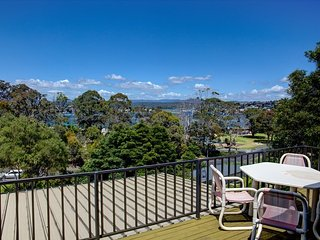 Nice 2 bedroom Merimbula Apartment with Balcony - Merimbula vacation rentals