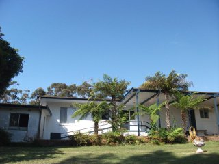 Glenlee Cottage - Pambula Beach vacation rentals