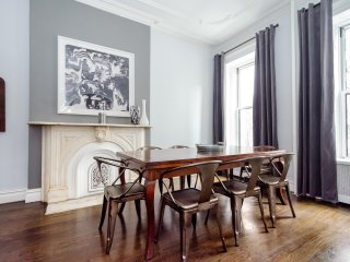 A 2000sf/186sm LARGE 4 Bedroom Home in the Heart of Midtown Manhattan - New York City vacation rentals