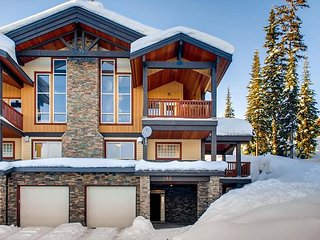 Luxury 3 bedroom chalet in the heart of Big White which sleeps 10 comfortably - Big White vacation rentals