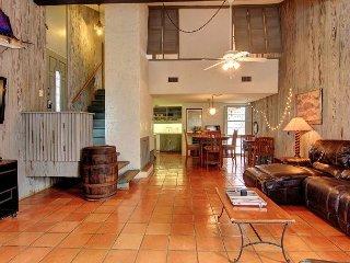 Super unique 3 bedroom 2 bath home right in the heart of Port Aransas! - Port Aransas vacation rentals