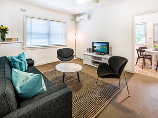 Bright 2 bedroom Vacation Rental in Randwick - Randwick vacation rentals
