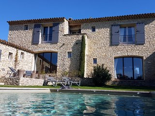 Les Terrasses Gordes, BnB, room Isabelle, WiFi, heated pool - Gordes vacation rentals