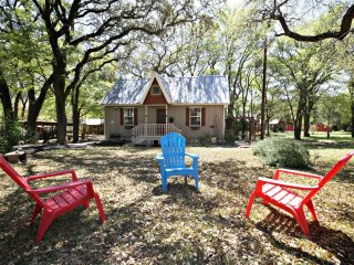 CIELO at LONESOME DOVE COTTAGES - Canyon Lake vacation rentals