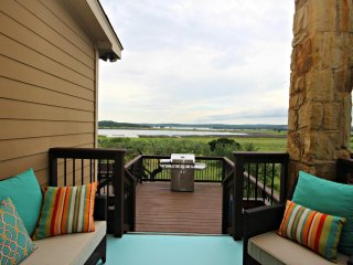 INNDEERMENT LAKE ESCAPE - Canyon Lake vacation rentals