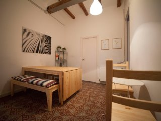 GREAT APARTMENT IN GRACIA IDEAL FOR LARGE GROUPS - Barcelona vacation rentals