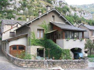 Gorges du Tarn Meublé Do&Mi - La Malene vacation rentals