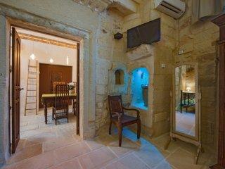 La Dimora delle Grazie - Appartamento Eufrosine - San Cesario di Lecce vacation rentals