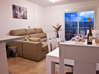 AL02 3 bed Duplex El Alamillo, Sea Views, Walking distance to beach & amenities - Puerto de Mazarron vacation rentals