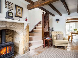 Bag End is a beautiful Cotswold stone property, in the heart of Stow-on-the-Wold - Stow-on-the-Wold vacation rentals