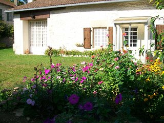 Bright House with Internet Access and Satellite Or Cable TV - Limalonges vacation rentals