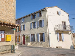 Maison Vigneronne - Beautiful Old Village Town House with 8m Heated Pool - Brezilhac vacation rentals