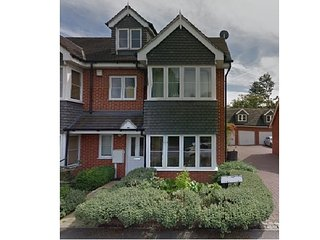 Four bedroom 3 bathroom family home in Surbiton Greater London - Surbiton vacation rentals