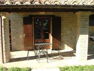 """Agriturismo Castagna Alta - Valfabbrica - Two rooms apartment """"Mullberry"""" - Valfabbrica vacation rentals"""