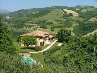 "Agriturismo Castagna Alta - Valfabbrica - Two rooms Apartment ""Strawberry"" - Valfabbrica vacation rentals"