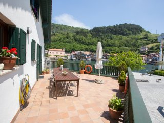 Perfect Villa with Internet Access and Satellite Or Cable TV - Pasajes vacation rentals
