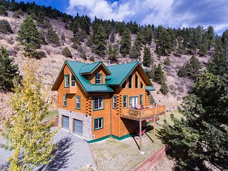 Beautiful Log Cabin Nestled in the Mountains - Dumont vacation rentals