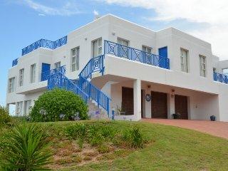 Spacious Executive Villa in a Nature Conservation area - Blue Horizon Bay vacation rentals