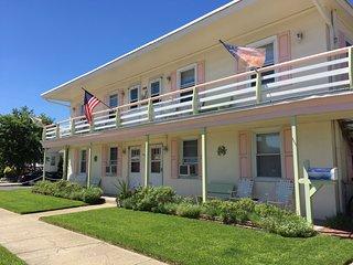 2 br apt in Wildwood Crest, NJ 3 blocks from beach - Wildwood Crest vacation rentals