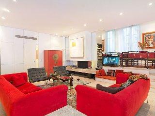 Elegant & Spacious Marais Two Bedroom - ID# 44 - Paris vacation rentals