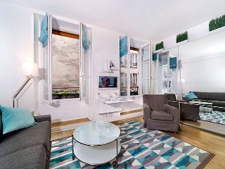 Charming Montorgueil Studio - ID# 339 - Paris vacation rentals