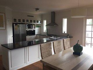 Spacious 4 bedroom Vacation Rental in Kelmscott - Kelmscott vacation rentals