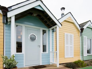 The Beach Huts - Eco Build nr Goodwood - Oving vacation rentals
