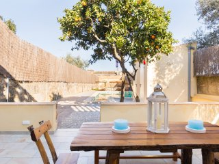 Nice House with Internet Access and Television - Ariany vacation rentals