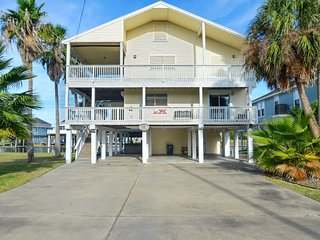 Spacious House with Deck and Internet Access - Jamaica Beach vacation rentals