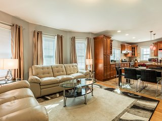Open Luxury 4 Bed 3 Bath Condo with 1 Parking - Somerville vacation rentals