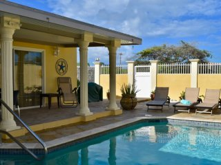 Nice Villa with Internet Access and Television - Palm Beach vacation rentals