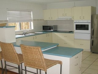 Beautiful 3 bedroom House in Dicky Beach - Dicky Beach vacation rentals