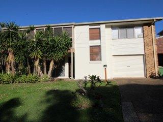 2/2 Moffat St Moffat Beach QLD - Kings Beach vacation rentals