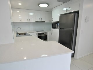 Kings Edge Unit 2 Kings Beach QLD - Kings Beach vacation rentals
