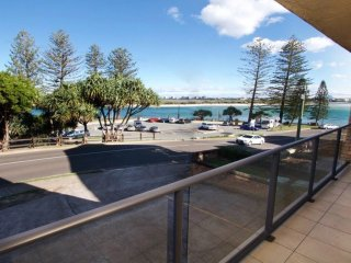 Moondara Unit 1 Bulcock Beach QLD - Caloundra vacation rentals